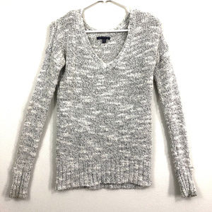 American Eagle White and Silver Fitted Sweater